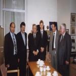 في استقبال جلال الطالباني وفؤاد معصوم عام 2002