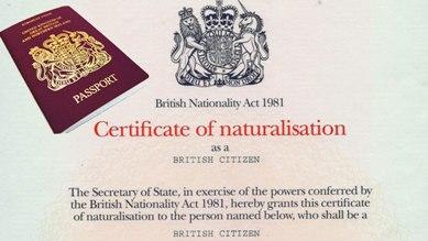 ازدواجية الجنسية والانتماء الوطني